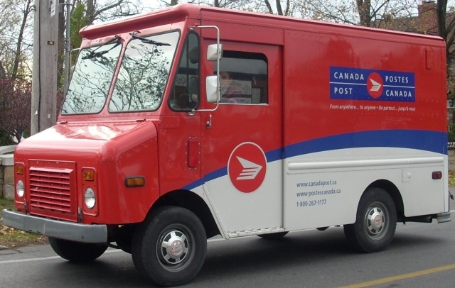 Canada Post and union back at table
