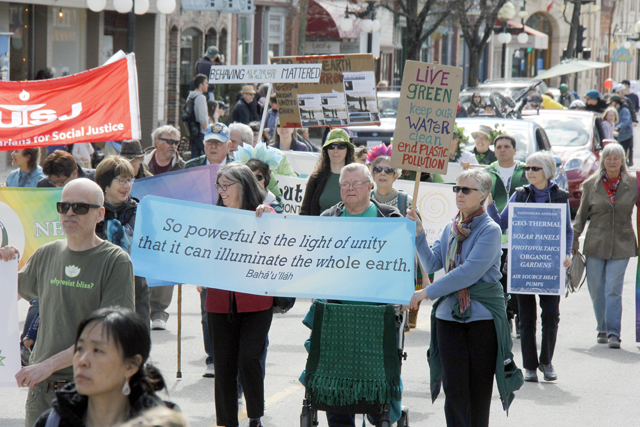 Nelsonites rally to celebrate Earth Day with first-ever