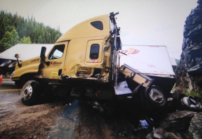Tractor-trailer accident near Paulson Bridge shuts down